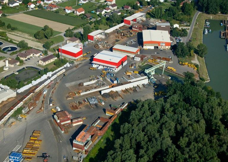 2007 | In Ybbs wird eine zusätzliche Halle für eine Kabelaufbereitungsanlage errichtet.