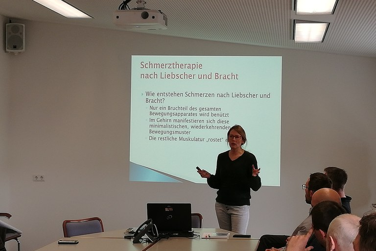 Staff Presentation: Liebscher-Bracht pain therapy